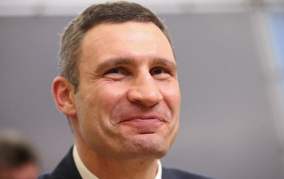 Дорогие сотрудники: Кличко выписал замам премий на больше полмиллиона гривен