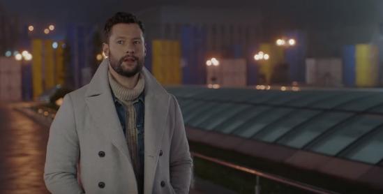 Британский певец снял клип с видами Крещатика, Майдана и Софийского собора