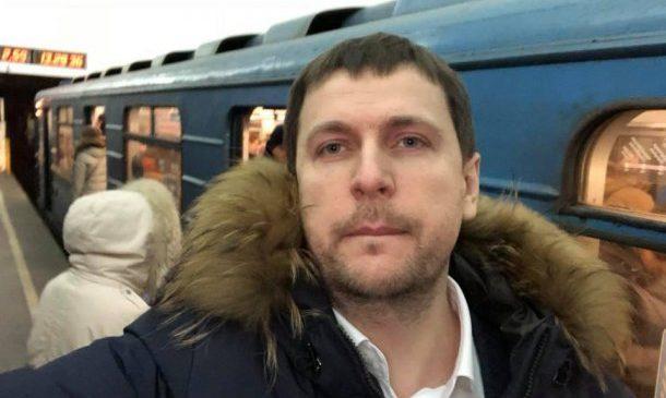 Пошли в народ: в Киеве депутаты и чиновники постят селфи из маршруток и метро