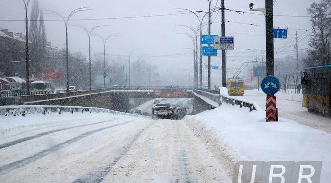 Движение по Московскому мосту и путепроводу через Набережную во вторник днем частично ограничат